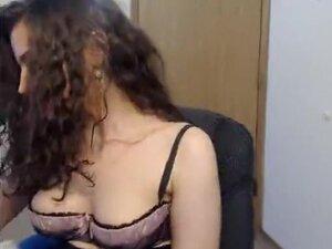 cinnamon gal oil massage on livecam,