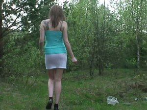 Amateur and dirty Oxana extremely wants to pee in