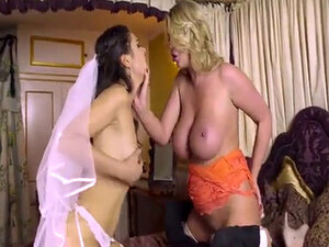Horny couples Abril and Chris gets to have