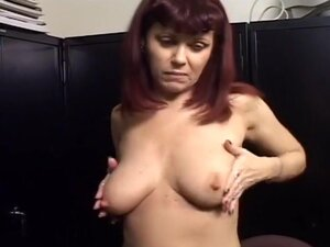 Hot Blowjob MILF Makes Her Man Cum Quick, Cute