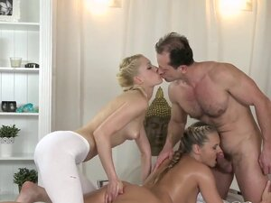 Massage Rooms Zuzana loves her juicy hole filled