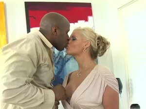 BBC bang a Sexy MILF ANAL AND CREMPIE