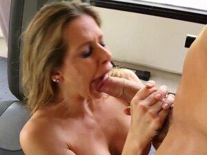 Pornstar Rachel Roxxx railed rough