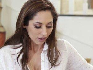 Hot chick Reena Sky seduces bigtits milf Romi