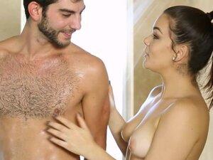 Feisty masseuse gives massage and banged y nasty
