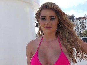 Busty beauty in bikini picked up in public, Busty