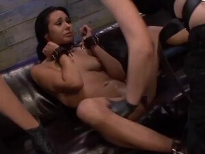 Isa Mendez Takes More Double Penetration Fun from