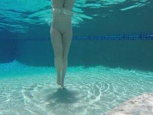 Swimming & masturbation with Samantha