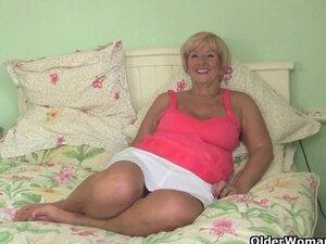 British mum fingered by dirty photographer