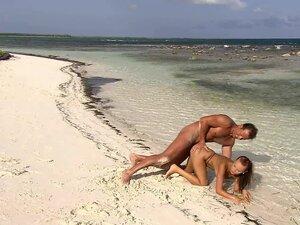Dirty bitch Claudia Adams fucks anal on the beach