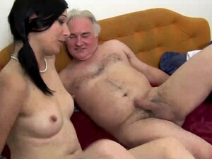 TEEN GETS FUCK BY MATURE ON COUCH