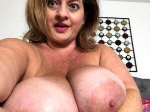Slutty amateur flashing her big boobs in the