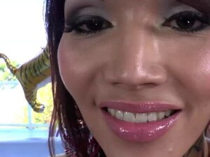 Asian Shemales Eva and Venus mouth cum in a hot