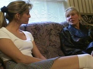 Mature woman likes the young pussys