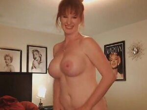 Busty Camgirl Babe Finger Fucks Her Tight Pussy on