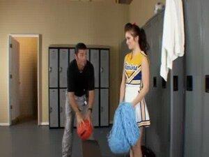 Amateur teen cheerleader fucked by coach