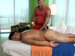 Wild massage for gay bear, Male masseur is