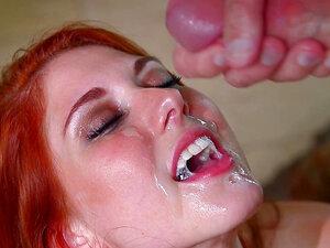 Hot show with a deepthroat goddess