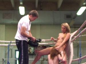 Wrestling lezzie queening amateur beauty