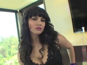 Sunny Leone in Touch Of Blue Video