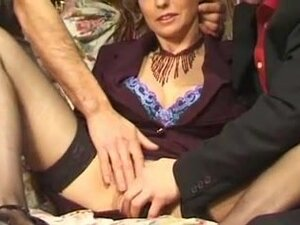 Another rmatureFMM French fisting threesome