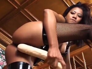 Dirty Asian Tart Has Her Pussy Stretched