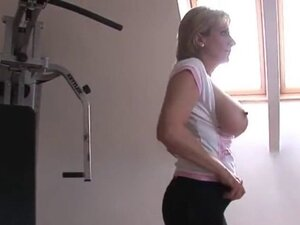 Unfaithful british milf lady sonia pops out her