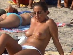 Babe in topless at the beach 4, This spanish