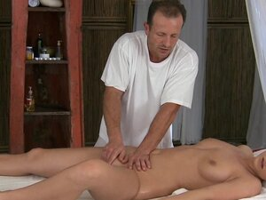 Massage Rooms Expert lover gives incredible orgasm
