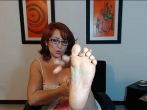 Colombian MILF Sexy Soles 2