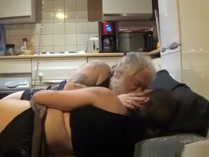 Chubby mature woman fucked by man
