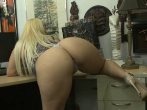 Phat ass amateur blonde woman railed at the
