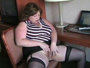 big beautiful woman in nylons masturbating in