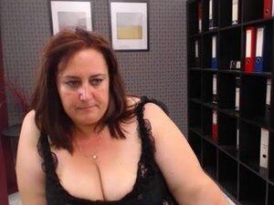 Mature webcam sex show by a BBW slut with a big