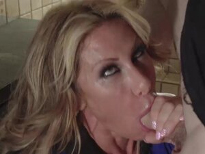 Farrah gives him a blowjob in front of his stepmom