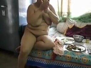 Breasty desi aunty smokin' undressed  with