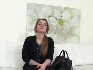 Fake agent recors while fucking babe in casting