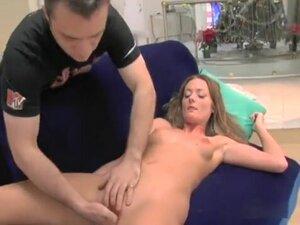 Saucy Melissa Lauren spreads her legs and get