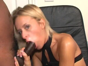 British Suzie Best in glasses gets fucked and