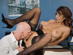 Brazzers - Big Tits at Work - Spilling The Boobs