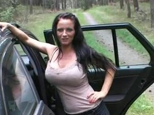 german amature fucked in nature and car,