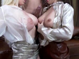 Wet and messy sluts do ass to mouth