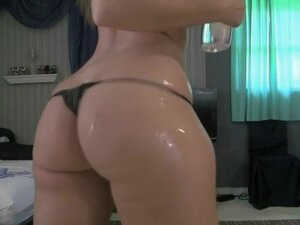 Showing off with my oiled up fanny, My gorgeous