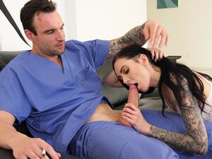 Stunning Marley Brinx knows what a kinky guy likes