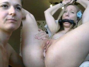 Two beautiful amateur lesbian camgirls on webcam