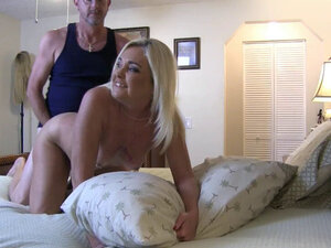 Sexy Amateur Blonde Milf With Her Small Dicked