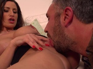 Keiran Lee & Sensual Jane  in Comfort From the