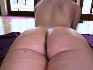 Rachel in rubber gloves masturbates her anus