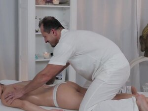 George & Ivy in George On Ivy - MassageRooms,