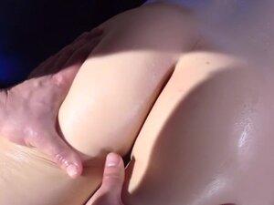 Molly's Massage, When you've got a body like Molly